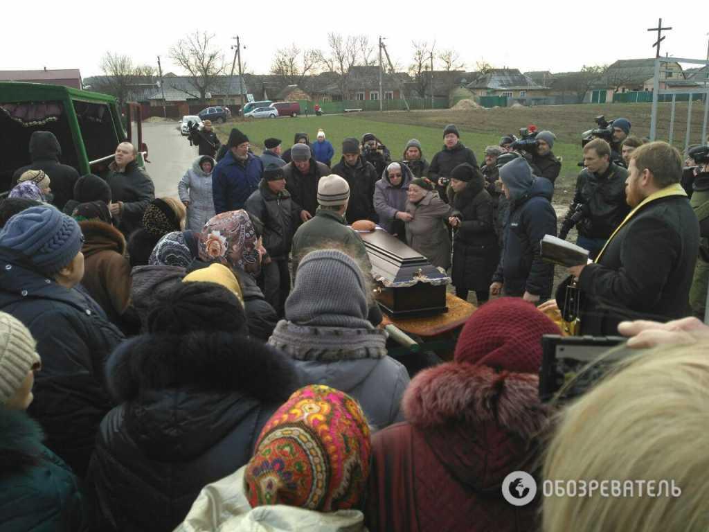 «Твари!»: Не сдержав эмоций, отец Ноздровской набросился на убийц дочери