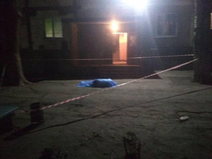«Выпрыгнул из окна и упал на маленького ребенка, погибли двое»: Ужасная трагедия всколыхнула Запорожье