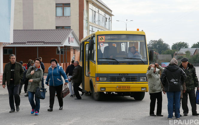 «Позволяют им передвигаться по правому краю проезжей части»: Нововведение Кабмина может усложнить ситуацию на дорогах