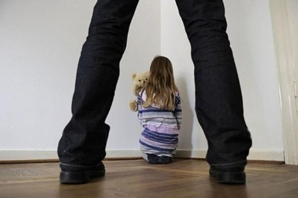 «О беременности родители узнали, когда была на 5 месяце» Школьный охранник два года насиловал 11-летнюю девочку