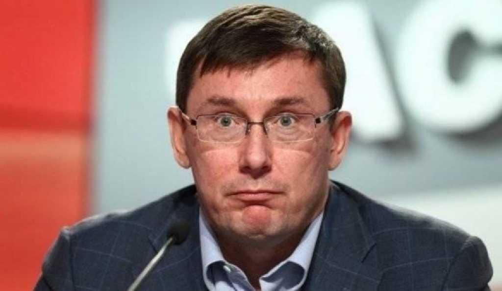 Новый скандал вокруг Луценка: Известный активист и телеведущий поставил «неудобный» вопрос генпрокурору