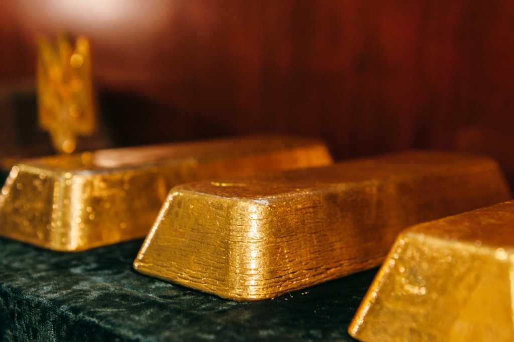 Как люди Гройсмана спасли в должности «владелицу золотых слитков»