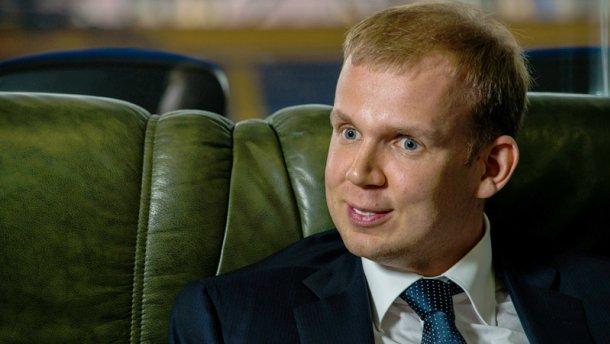 Охрана ФСБ и реанимобиль: Как охраняют скандального олигарха — беглеца Курченко