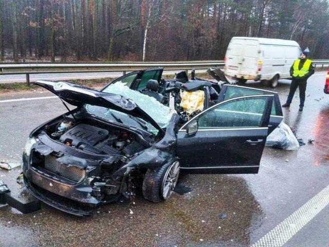 «Зрелище не для слабонервных»: На Житомирщине отбойник насквозь проткнул водителя