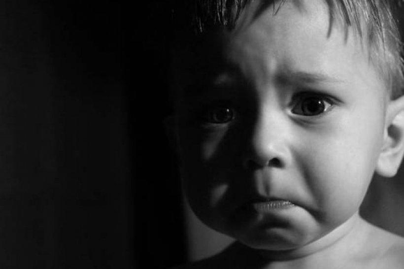 «Не издав ни звука»: Старший брат умер на глазах у младшего просто прыгая с кровати