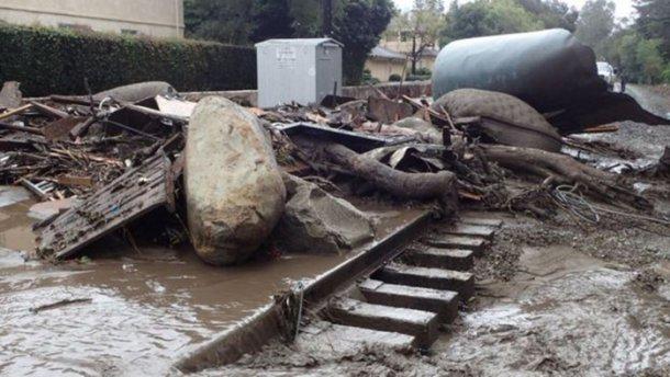 «Из-за мощных ливней и оползней» Почти два десятка человек погибли, а сотни страдают от наводнения