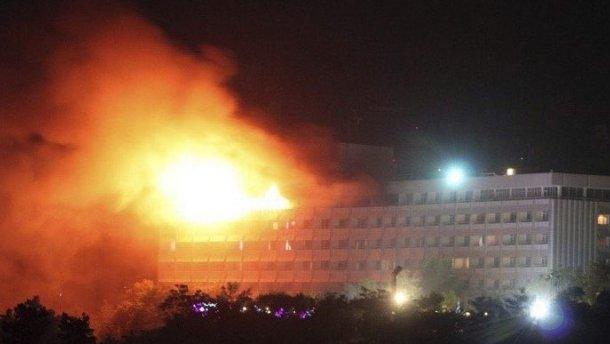 «Женщины и дети кричали … умоляли»: Журналист рассказал ужасные подробности теракта в отеле Кабула