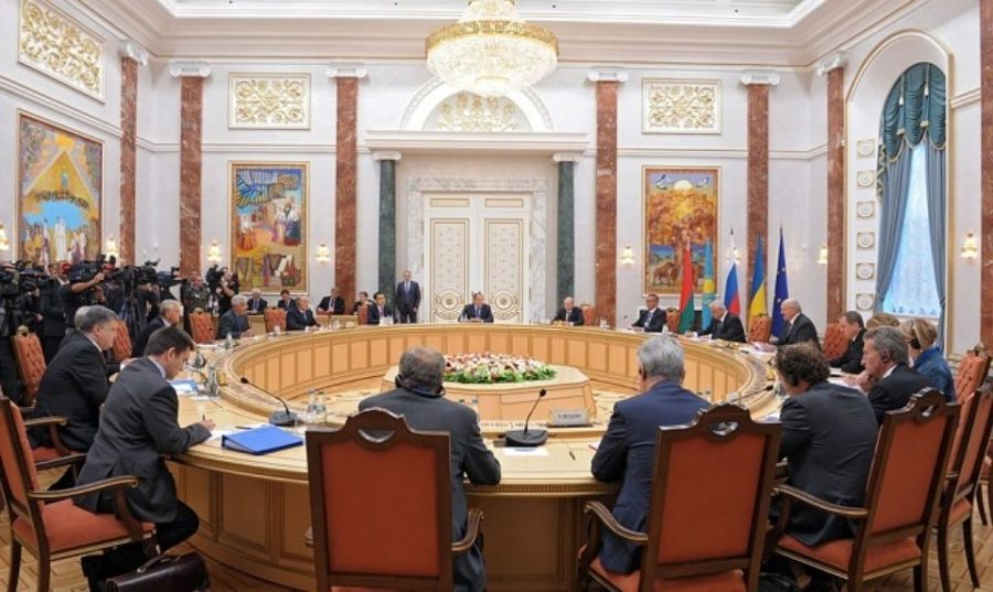 Скандал: украинский дипломат бросил в лицо министру иностранных дел свой паспорт