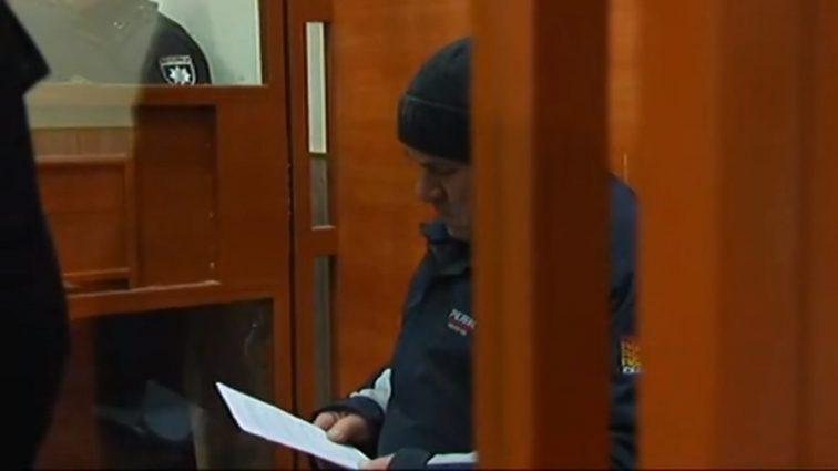 Вы только взгляните на этот взгляд: Первые кадры из суда над подозреваемым в убийстве Ирины Ноздровской