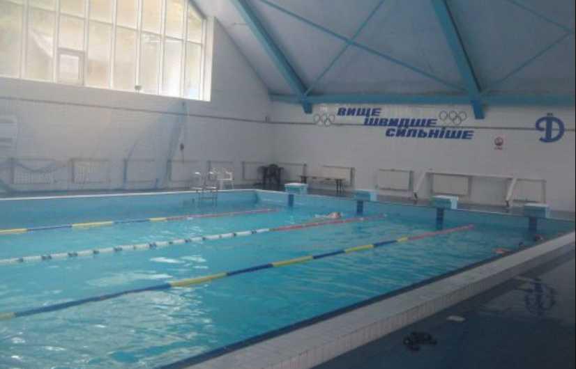 Стало известно причину смерти 10-летней девочки после плавания в бассейне во Львове