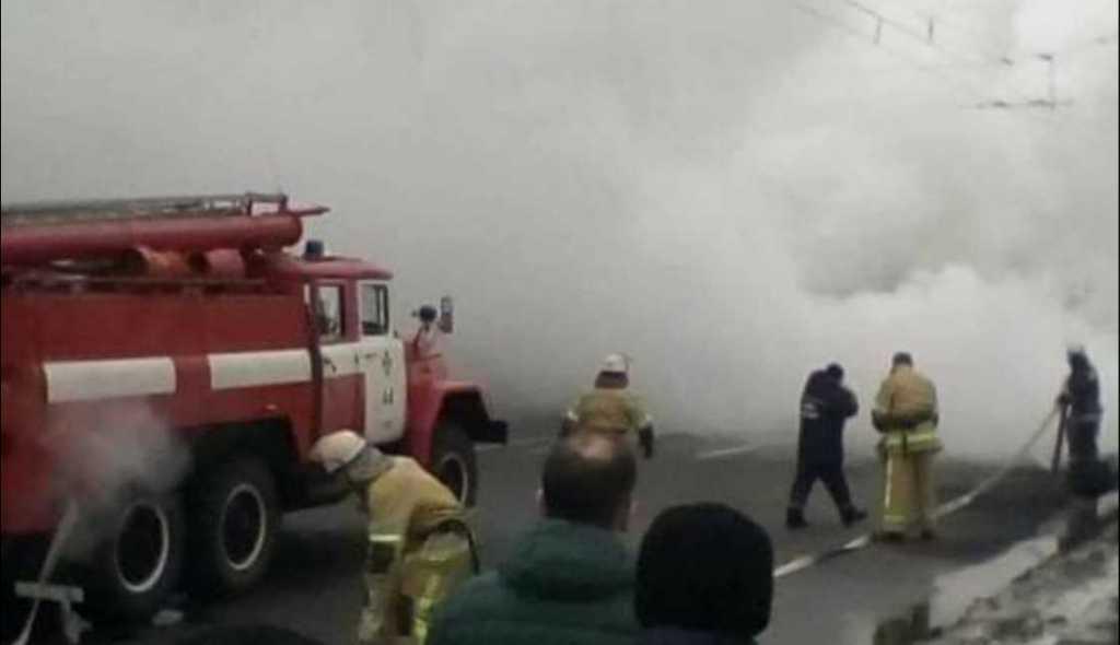 «Столбы дыма и перекресток в огне»: Масштабное ДТП «парализовала» Киев