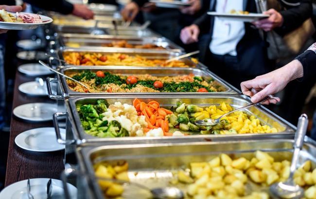 От 30 до 300 гривен: Как питаются депутаты в столовой Верховной Рады