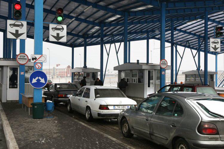 Из-за кори? Украинцам хотят запретить въезд в Европу