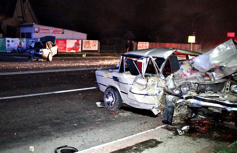 ДТП на Ровенщине: погибших пришлось выпиливать из авто