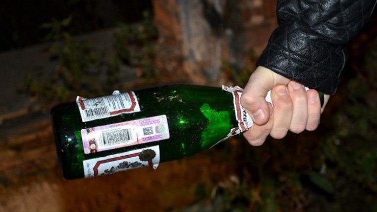«Вдруг почувствовала руки между ногами …»: Мужчина поиздевался над девушкой, а потом разбил бутылку об ее голову