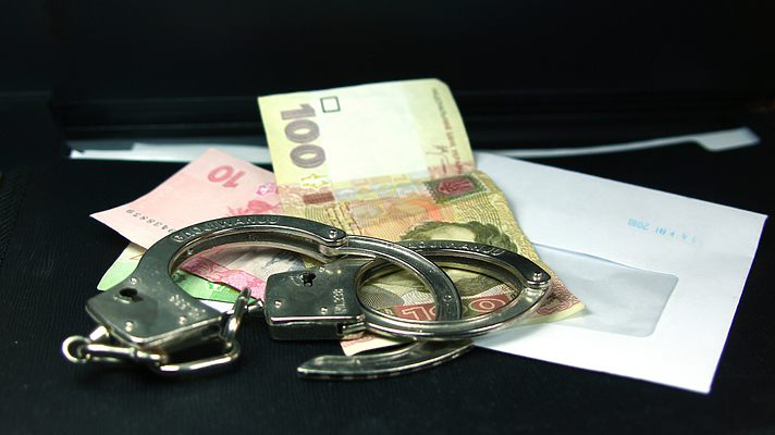 Харьковский блогер снял на видео, как полицейский требовал взятку