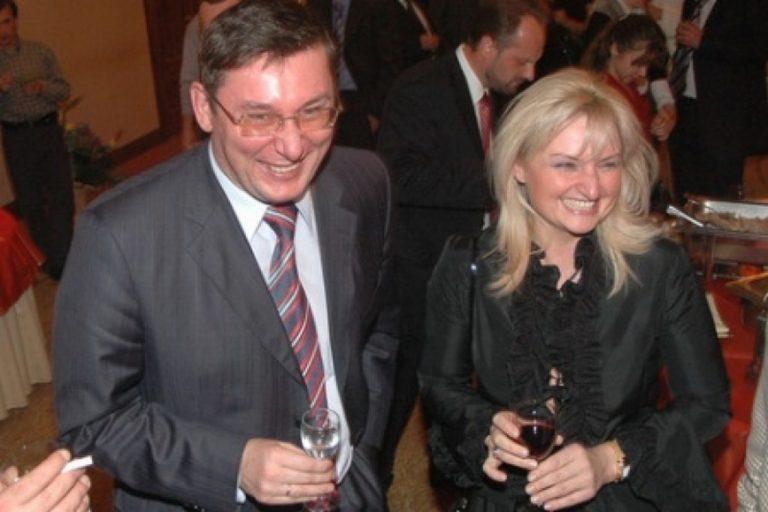 «Юрий Луценко, его жена — тетя III тысячелетия …»: Политолог рассказал об объявлении «персонами нон грата» в США, семьи генпрокурора