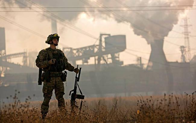 У шахты Бутовка ранено украинского военного