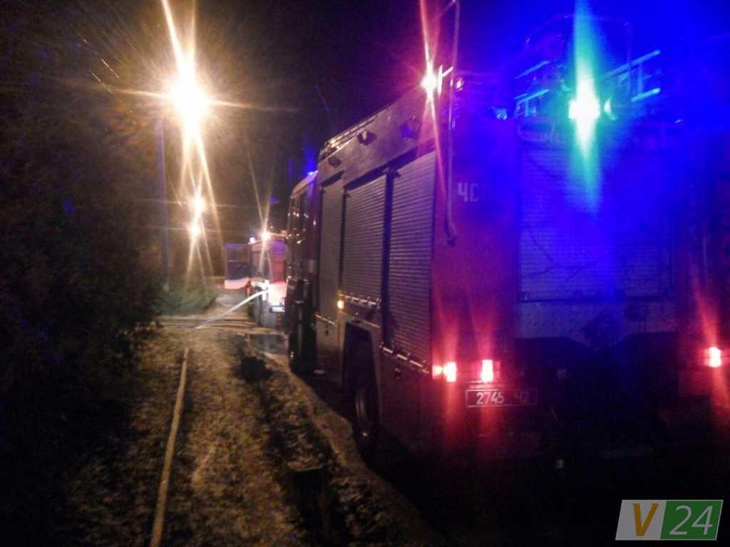 «Горит джип!»: Неизвестные сожгли внедорожник дочери судьи (ФОТО)