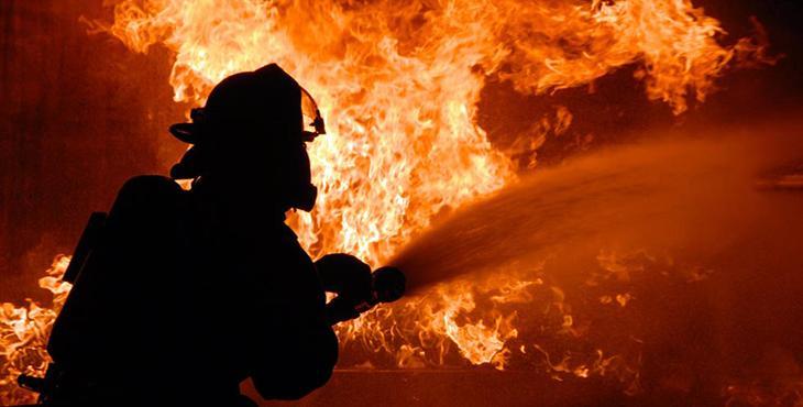 Пожар в резиденции президента: появились первые кадры