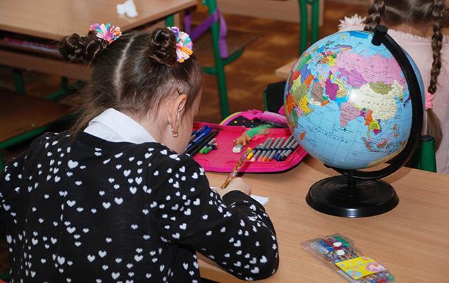 «Подойди и меня за попу ущипни»: Поведение учительницы бурно обсуждает вся Сеть