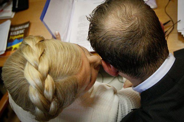 «Шальные и развратные»: Известный журналист «слил» в Сеть интимные фото с Тимошенко и Кучмой