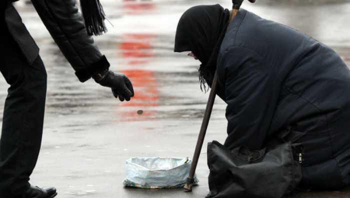 «Была возле церкви с простуженным ребенком…»: Правоохранители задержали женщину, которая просила деньги «на дорогу»