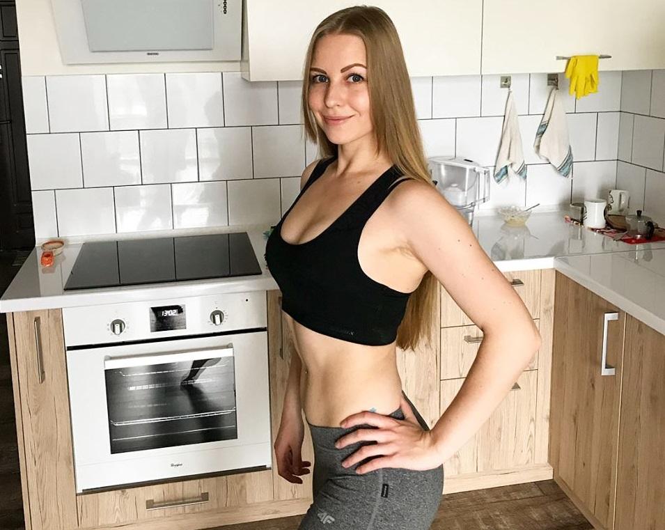 Точно взял за профессионализм?: Украинцев поразила красавица-блондинка, помощница известного нардепа
