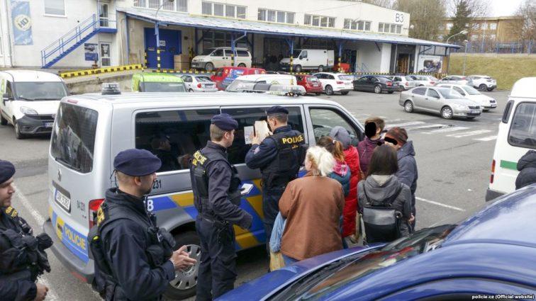 Из Словакии депортировали около 20 украинцев, а все из-за …