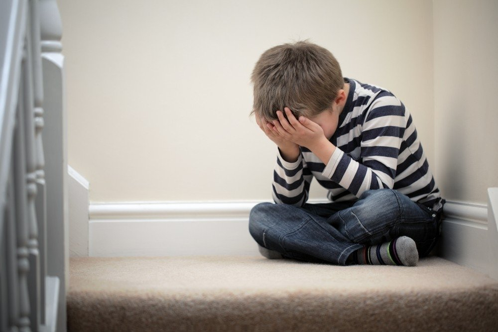 «Я плакал. Он делал мне больно…»: Священник изнасиловал 9-летнего мальчика