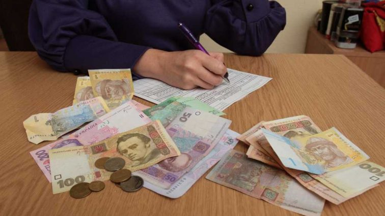 Владельцам этих устройств светят штрафы в размере от 510 до 680 грн: В украинцев будут изымать телефоны