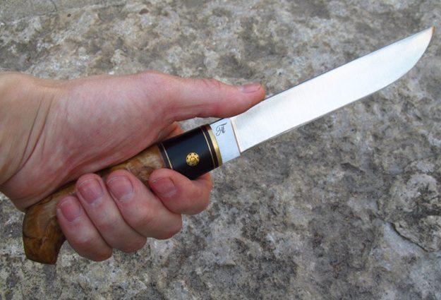 Набросился с ножом: Под Киевом мужчина зарезал поклонника своей жены