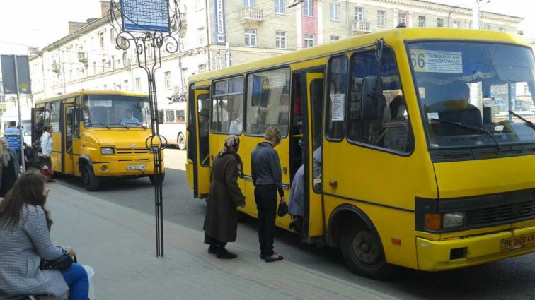 Дождаться маршрутки станет проще: Новые штрафы для перевозчиков