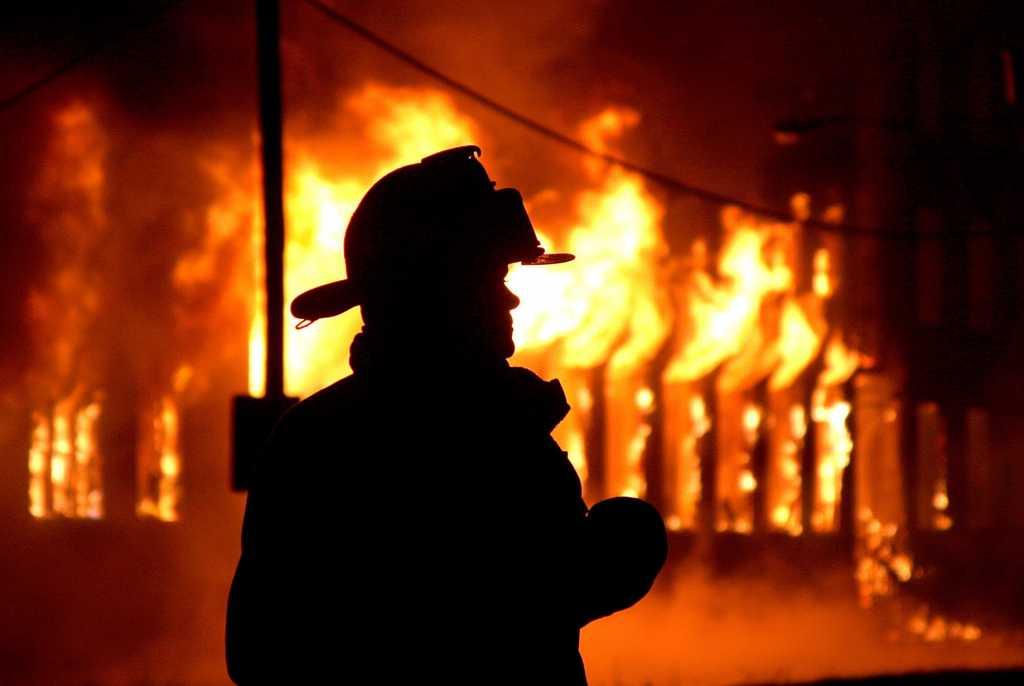 Страшная трагедия всколыхнула всю Сумскую область: пожар унес жизни двух человек