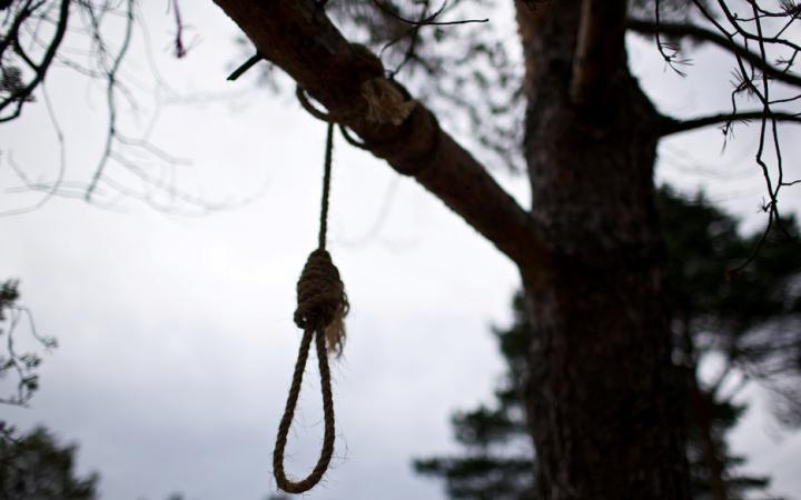 «Нашли утром! Он висел на дереве»: На Львовщине при загадочных обстоятельствах молодой офицер покончил с собой