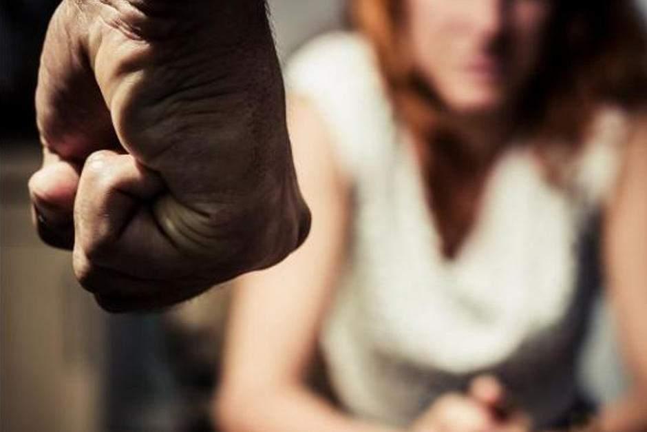 «Проснулся посреди ночи и увидел …»: Мужчина до смерти забил любовника своей жены