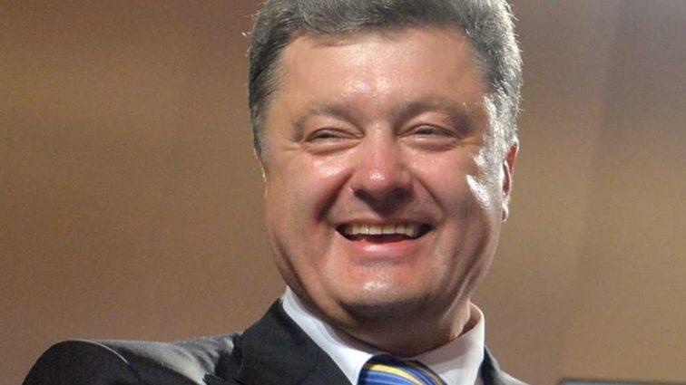 «Ни разу не приперли к стенке»: Журналистка возмущена пресс-конференцией Порошенко, а все из-за …