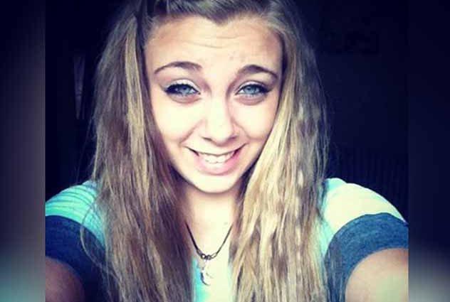«Едва осталась живой»: 20-летняя девушка вырвала себе глаза перед церковью, а причиной этому …