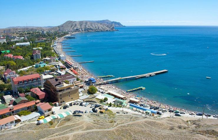 Не тот Крым, где отдыхали украинцы: в Сети показали фото оккупированного полуострова