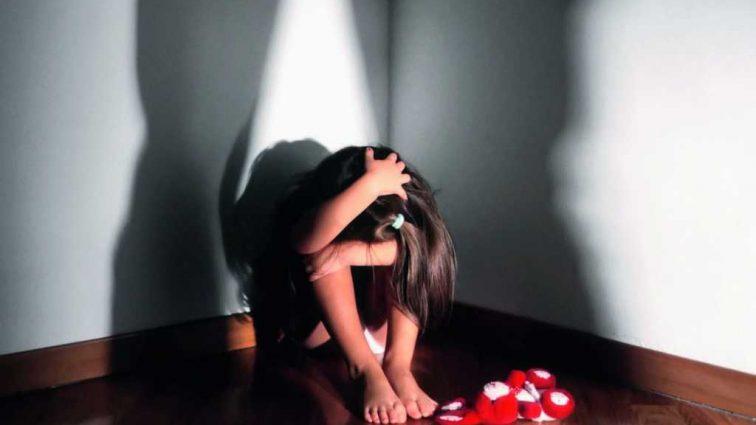 «Пока мать была в роддоме»: Житель Запорожской области изнасиловал маленькую девочку