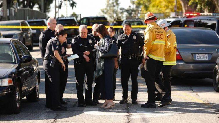 12-летняя девочка открыла стрельбу в школе, есть пострадавшие