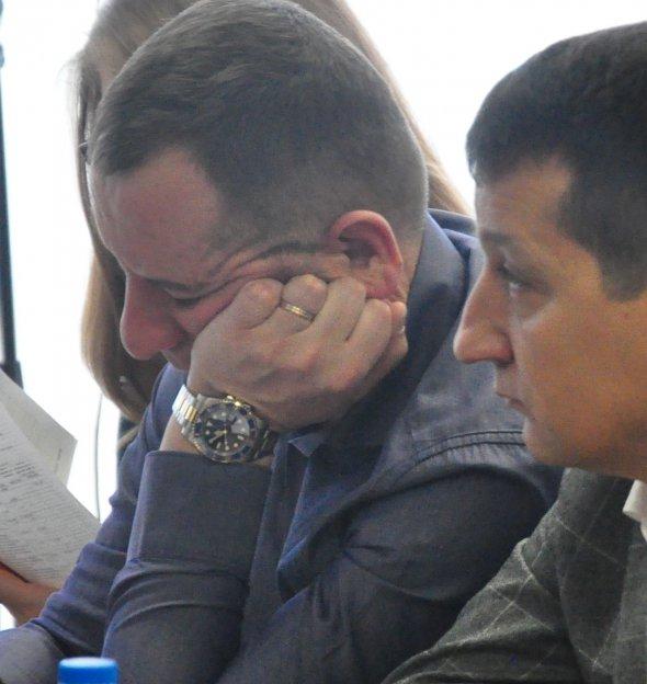Часы, которые стоят как трехкомнатная квартира: Как «жируют» Украинские депутаты