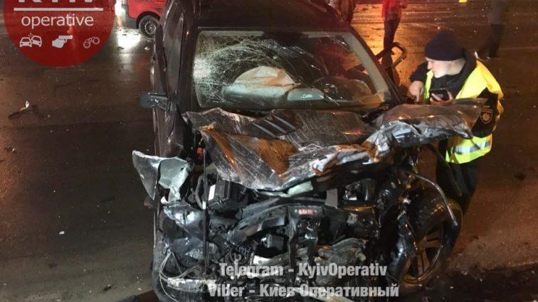«Mercedes на огромной скорости въехал  «лоб в лоб» в Dacia»: В Киеве произошло ужасное смертельное ДТП
