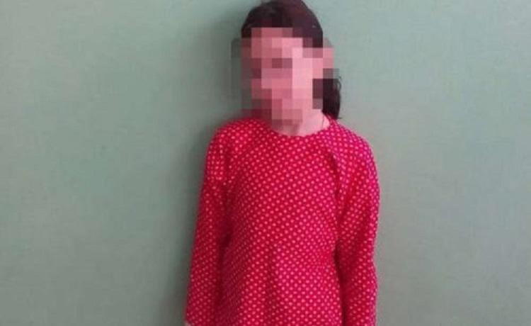 Ребенок полтора месяца прожил сам в хостеле: Стало известно, мать бросила дочь из-за …