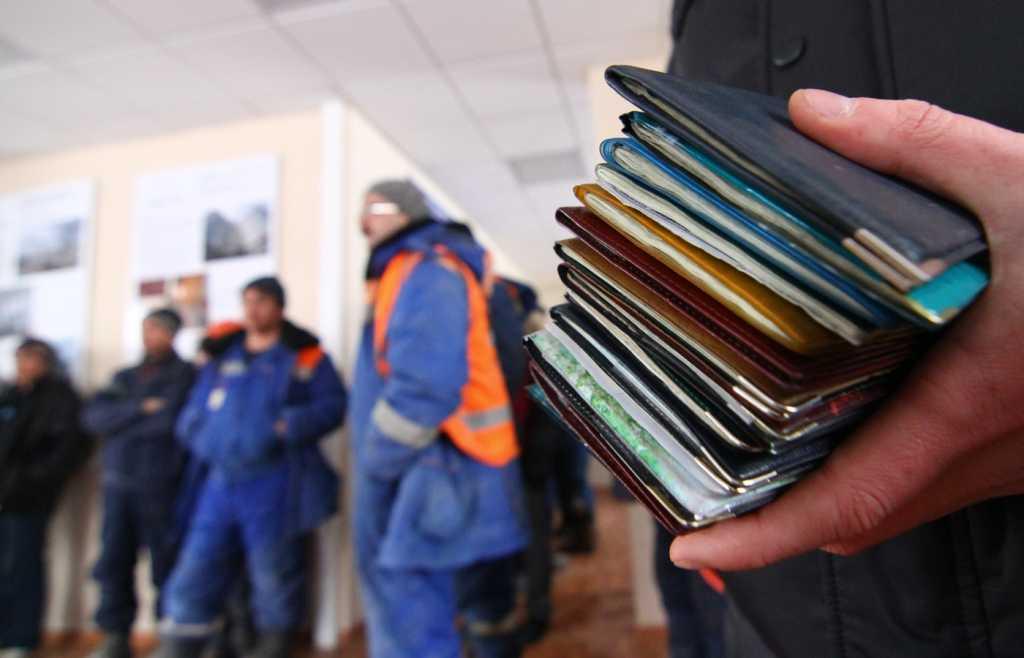 «Обеспечивают и сохраняют … «: В Польше сделали заявление об украинских трудовых мигрантах