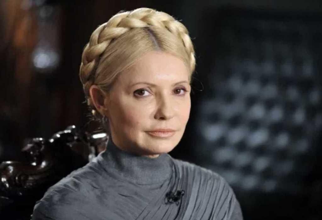 «Иногда подменяла настоящего политика»: В Сети показали двойника Тимошенко. Трудно не спутать