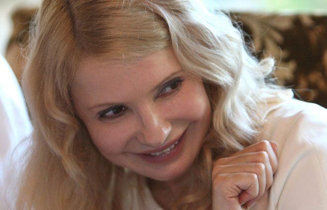 «Высокий страстный брюнет»: Появились фото Юлии Тимошенко с молодым любовником, поэтому ее муж живет отдельно?