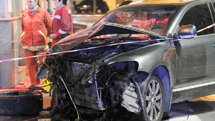 «На скорости снесла пешеходов и фонарь»: Пьяная девушка устроила смертельное ДТП