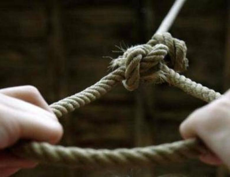 «Ее тело в петле нашел старший брат»: 10-летняя девочка покончила жизнь самоубийством