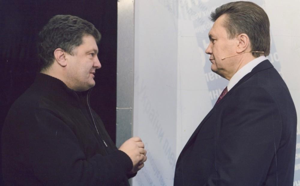 «Наверх выносит г*вно»: Известный журналист обвинил Порошенко в сотрудничестве с Януковичем